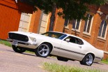 chopped-dropped-1969-mustang-built-the-old-school-way-0031